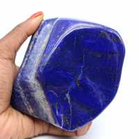 Gran piedra lapislázuli pulida ornamental