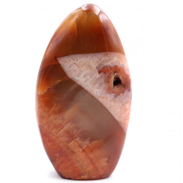 Piedra de cornalina de forma libre totalmente pulida