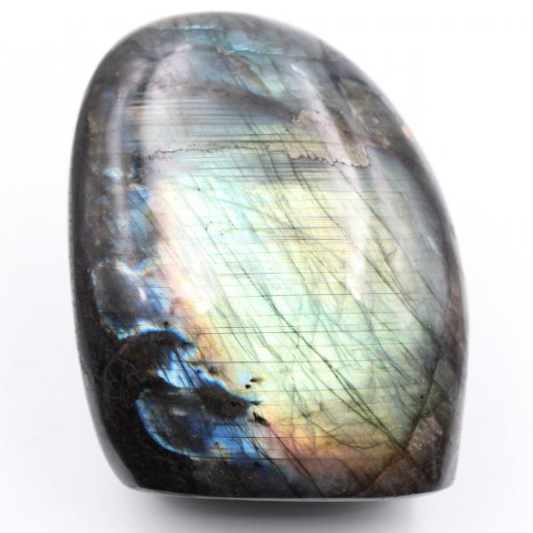 Bloque de piedra de labradorita pulida